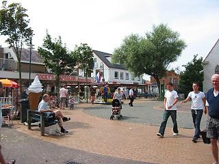 Dorfplatz im Zentrum von De Koog