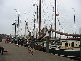 Schiffe im Hafen von Oudeschild